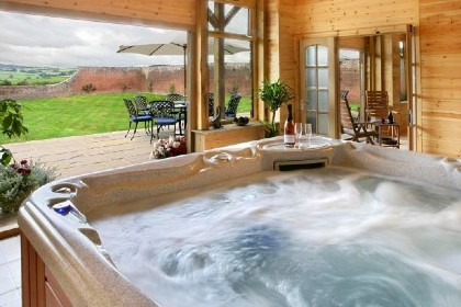 Luxury large group accommodation with a hot tub
